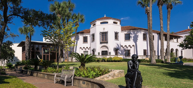 the McNay museum has great family programs for your {Staycation} from HowToHomeschoolMyChild.com