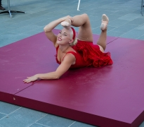 Coney Island Life: A Contortionist's Performance